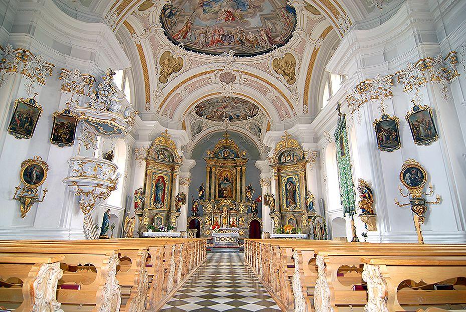 Parkplatz Pfarrkirche Grins