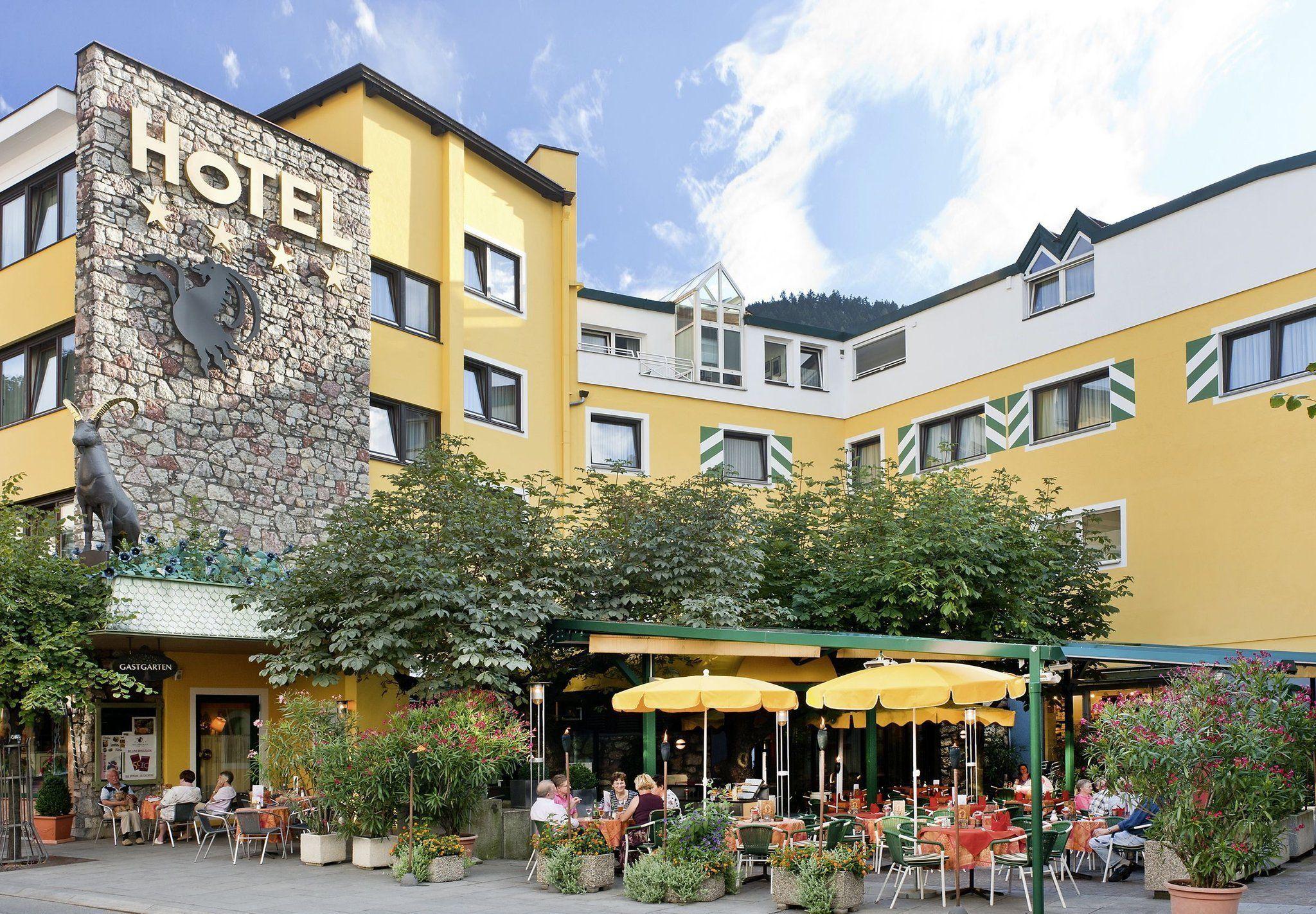 Hotel Schrofenstein ****