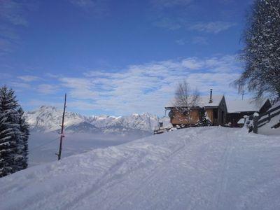 Sonnberghütte in winter