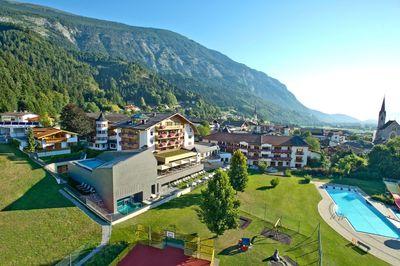 Hotel Schwarzrbunn (1).jpg