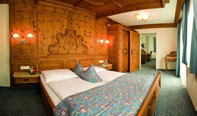 Hotel Schwarzrbunn (22).jpg