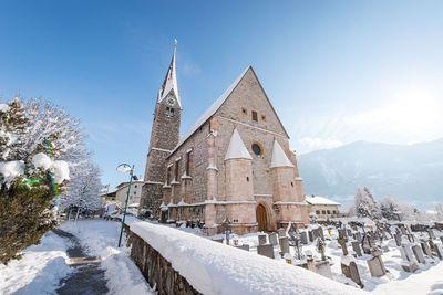 Kirche Jenbach im Winter