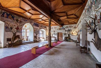 Schloss Tratzberg Saal-1800x1200.jpg
